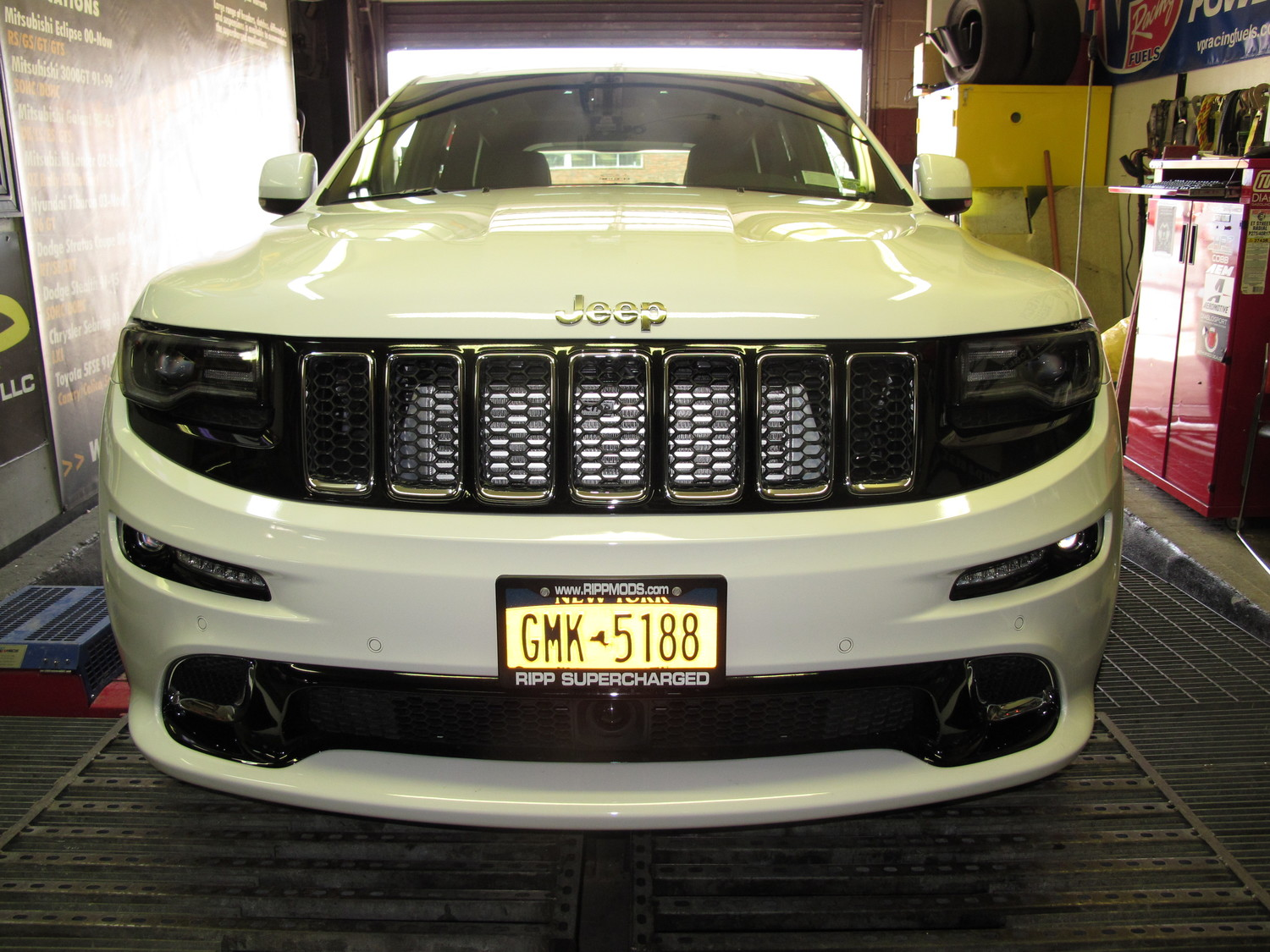 ... RIPP Superchargers WK2 Jeep SRT8 Supercharging System